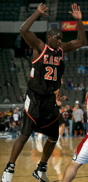 2/11/06 -- Omaha, Ne.Sioux City East's Roman Gentry at The Omaha Shootout, a High School Basketball tournament featuring some of the best prospects at the Qwest Center Omaha...(Photo by Chris Machian/Prarie Pixel Group).