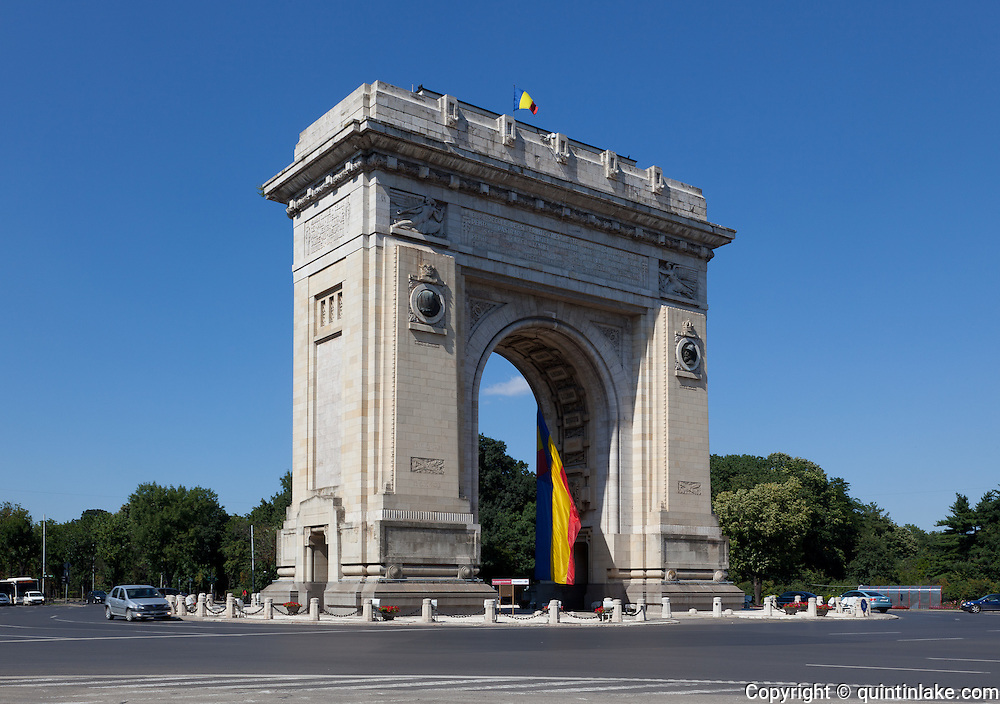 Triumphal Arch, Arcul de Triumf, Bucharest. The first, wooden, triumphal arch was built hurriedly, after Romania gained its independence (1878), so that the victorious troops could march under it. Another temporary arch was built on the same site, in 1922, after World War I, which was demolished in 1935 to make way for the current triumphal arch built in 1936 by architect  Petre Antonescu.