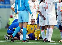 Fotball<br /> Euro 2004<br /> 26.06.2004<br /> Foto: SBI/Digitalsport<br /> NORWAY ONLY<br /> <br /> Sverige v Nederland<br /> <br /> Fredrik Ljungberg sits in agony