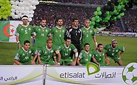 Fotball<br /> Algerie<br /> 14.11.2009<br /> Egypt v Algerie<br /> Foto: imago/Digitalsport<br /> NORWAY ONLY<br /> <br /> Lagbilde Algerie<br /> Rafik HALLICHE, Mourad MEGHNI, Antar YAHIA, Lounes GAOUAOUI, Madjid BOUGHERRA (hinten v.li.) Karim MATMOUR, Yazid MANSOURI, Rafik SAIFI, Karim ZIANI, Nadir BELHADJ und Kaled LEMMOUCHIA (vorn v.li.)