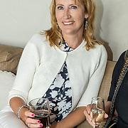 NL/Bloemendaal/20200702 - Boekpresentatie Bonuskind van Saskia Noort, Simone van der Vlugt