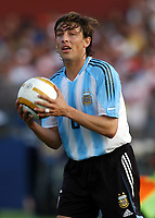 17/07/04 - CHICLAYO - PERU - COPA AMERICA PERU 2004 -<br />Argentine Player N*6 GABRIEL HEINZE.<br />© Gabriel Piko /Argenpress.com<br /><br /> Quarterfinals match of the Copa America<br /> 2004 - PERU (0) VS. ARGENTINA (1)<br />© Gabriel Piko /Argenpress.com