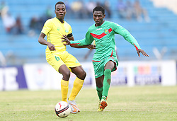 Geoffrey Lemu (L) of Kariobangi Sharks in action against Kepha Ondati of Zoo FC during their Sportpesa Premier League tie at Nyayo Stadium in Nairobi on July 30, 2017. They drew 1-1. Photo/Fredrick Omondi/www.pic-centre.com(KENYA)