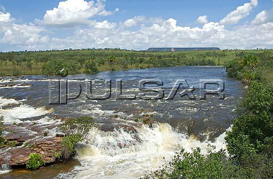 Cachoeira da Velha - Rio Novo, na cidade de Mateiros - Jalapão Local: Mateiros - TO Data: 02/2008 Tombo:  19DM039 Autor: Delfim Martins