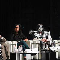 """TOLUCA, México (Septiembre 19, 2017).- Mariana Sánchez, Directora Ejecutiva de la fundación UAEMex, encabezó la conferencia de prensa donde anunciaron la presentación de la Orquesta Sinfónica juvenil UAEM, la cual realizará un tributo a la banda legendaria de Rock """"Kiss""""  el próximo 28 de Septiembre en el Teatro Morelos. Agencia MVT / Arturo Hernández."""