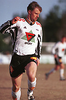 99051104: Tore André Dahlum, Rosenborg, i fint driv i kampen mot Kongsvinger på Gjemselunden 2. mai 1999. (Foto: Peter Tubaas)
