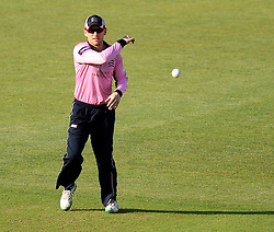 Middlesex's Eoin Morgan throws the ball - Photo mandatory by-line: Robbie Stephenson/JMP - Mobile: 07966 386802 - 04/06/2015 - SPORT - Cricket - Southampton - The Ageas Bowl - Hampshire v Middlesex - Natwest T20 Blast