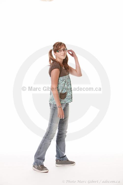"Portraits de jeunes filles lors de ""Portrait Mode"" -   / Laval / Canada / 2010-07-19, © Photo Marc Gibert/ adecom.ca"
