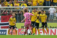 Fotball: 03.07 2011 , Tippeligaen Eliteserien ,<br /> Start - Sogndal<br /> <br /> Ørjan Hopen, frisparkmål, 1-1, ballen treffer hånden til Ole Martin Årst og skifter retning