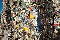 03 JAN 2012, BERLIN/GERMANY:<br /> Wertstoff Weissblech nach der Sortierung, Sortieranlage fuer Anfall / Wertstoffe aus der Gelben Tonne, Alba Recycling GmbH, Berlin-Mahlsdorf<br /> IMAGE: 20120103-01-024<br /> KEYWORDS: Wertstoffe, Recycling, Alba Group, Urban Mining, Gelber Sack, Gruener Punkt, Grüner Punkt, Duales System, Muell. Müll. Verwertung
