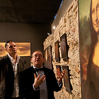 Scientist Pascal Cotte (center) speaks about the tehchnology he involved in discovering the creation of the painting Mona Lisa during the opening of the exhibition to discover the artistic work of Leonardo Da Vinci, Budapest, Hungary. Thursday, 05. February 2009. ATTILA VOLGYI