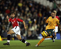 Fotball, 16.november 2004, Privatlandskamp, Norge - Australia ,  Magne Hoset, Norge, og Josip Skoko, Australia
