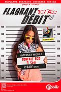 photo publicitaire d'une jeune femme portant une pancarte comme dans une identification criminelle dans un bureau de police pour les forfaits Mobilis 3G/4G de l'OPT.