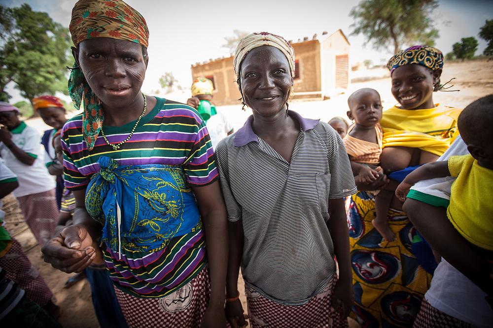 Nigerien women, one woman breastfeeding