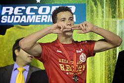 Leandro Damião comemora a conquista da Recopa Sulamericana 2011 após venceer por 3x1 o Independiente, da Argentina, no Estadio Beira Rio em Porto Alegre. FOTO: Jefferson Bernardes/Preview.com