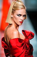 Anna Tokarska wearing Valentino - Fall 2007 Couture