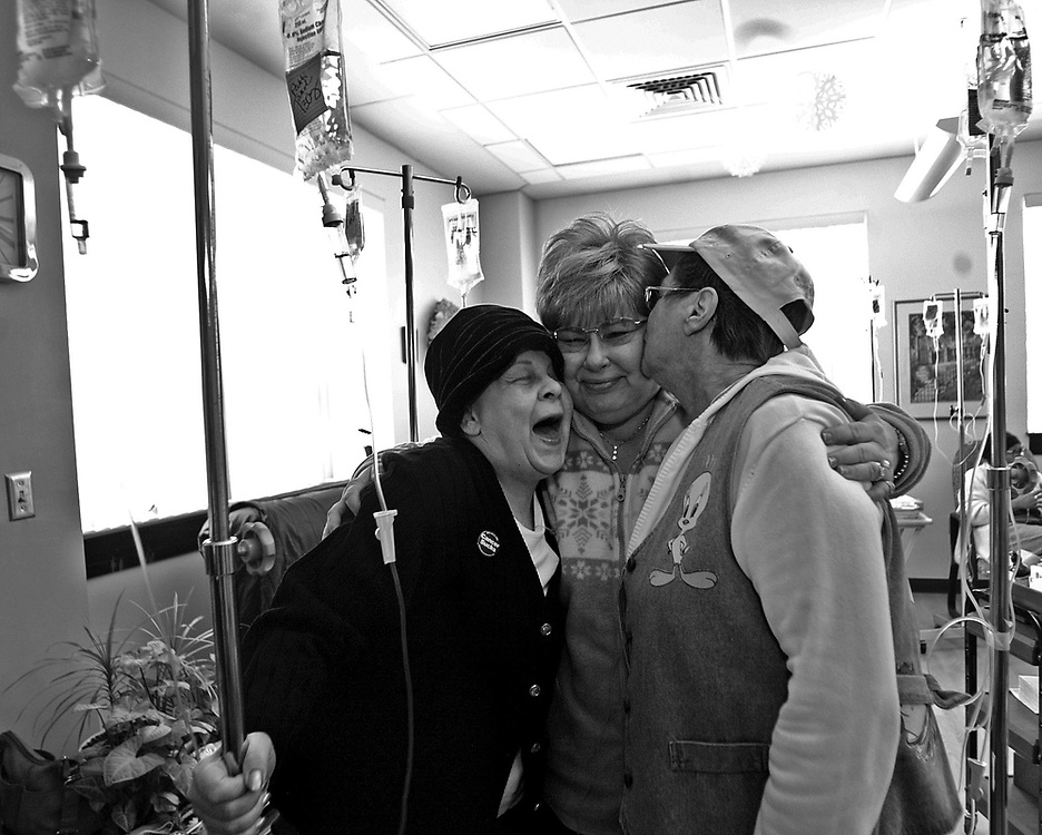 WATERBURY, CT- 23 MARCH 2007- 070607JT07-.From right, cancer patients Marie Tyrrell, Mary Ann Kulikowski, and Patricia Wilkes during chemo treatments on March 23, 3007 at the Harold Leever Cancer Center in Waterbury. .Josalee Thrift Republican-American