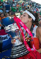 LONDEN - Eva de Goede (Ned)   na het winnen van  de finale Nederland-Ierland (6-0) bij  wereldkampioenschap hockey voor vrouwen.  . COPYRIGHT  KOEN SUYK