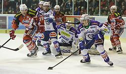 23.11.2014, Stadthalle, Klagenfurt, AUT, EBEL, EC KAC vs EC VSV 20. Runde, im Bild Jean-Francoir Jacques (EC KAC, #39), Jean-Philippe Lamoureux (EC VSV, #1) , Philip Siutz (EC VSV, Martin Schumnig (EC KAC, #28), Manuel Geier (EC KAC, #21) // during the Erste Bank Icehockey League 20th round match betweeen EC KAC and EC VSV at the City Hall in Klagenfurt, Austria on 2014/11/23. EXPA Pictures © 2014, PhotoCredit: EXPA/ Gert Steinthaler // during the Erste Bank Icehockey League 20th round match betweeen EC KAC and EC VSV at the City Hall in Klagenfurt, Austria on 2014/11/23. EXPA Pictures © 2014, PhotoCredit: EXPA/ Gert Steinthaler
