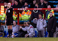 Photo: Alan Crowhurst.<br />Crystal Palace v Cardiff City. Coca Cola Championship. 04/02/2006. <br />Cardiff manager Dave Jones (R) looks unhappy at another offside decision.
