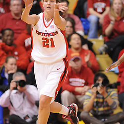 Feb 24, 2009; Piscataway, NJ, USA; Rutgers forward Heather Zurich (21) makes a break out pass to guard Brittany Ray (not pictured) during the first half of Rutgers' 71-53 victory over Cincinnati at the Louis Brown Athletic Center.