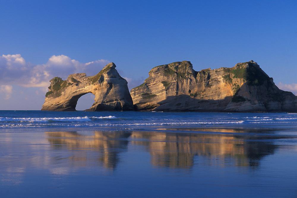New Zealand, South Island, Farewell Spit, Wharariki Beach