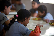 Belo Horizonte_MG, Brasil...Escola Estadual Silviano Brandao. Na foto, merenda escolar...The State School Silviano Brandao. In this photo, the students eating...Foto: LEO DRUMOND / NITRO
