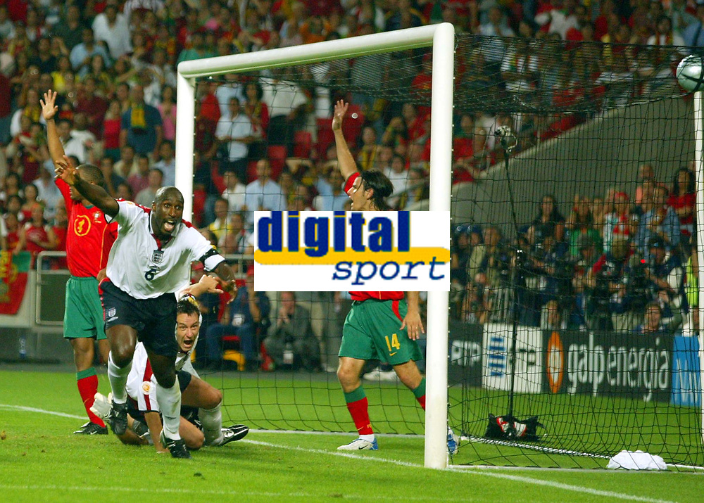 Fotball<br /> Euro 2004<br /> 24.06.2004<br /> Foto: SBI/Digitalsport<br /> NORWAY ONLY<br /> <br /> Kvartfinale<br /> England v Portugal<br /> <br /> Sol Campbell celebrates his goal, only to find the referee has blown up for a foul
