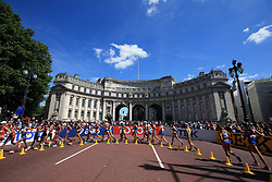 General view as competitors pass the Admiralty Arch in the Women's 20km Race Walk during day ten of the 2017 IAAF World Championships at the London Stadium. Picture date: Sunday August 13, 2017. See PA story ATHLETICS World. Photo credit should read: John Walton/PA Wire. RESTRICTIONS: Editorial use only. No transmission of sound or moving images and no video simulation.