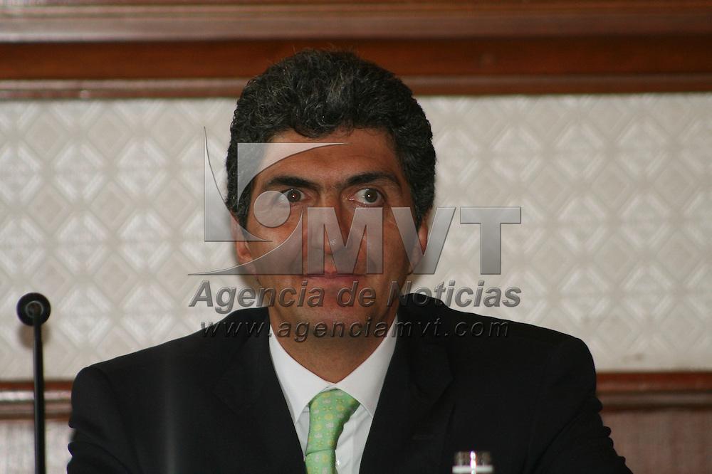Toluca, México.- Ernesto Nemer Álvarez, Secretario General de Gobierno durante la inauguración de los trabajos de la semana de la Administración Pública. Agencia MVT / José Hernández