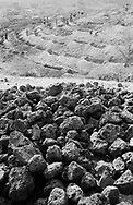 NIGER. Tamaske. 21/01/1987: Stabilisation of the terrain to prevent soil erosion and improve collection of groundwater by provoking infiltration of rainwater in the ground through small dams.