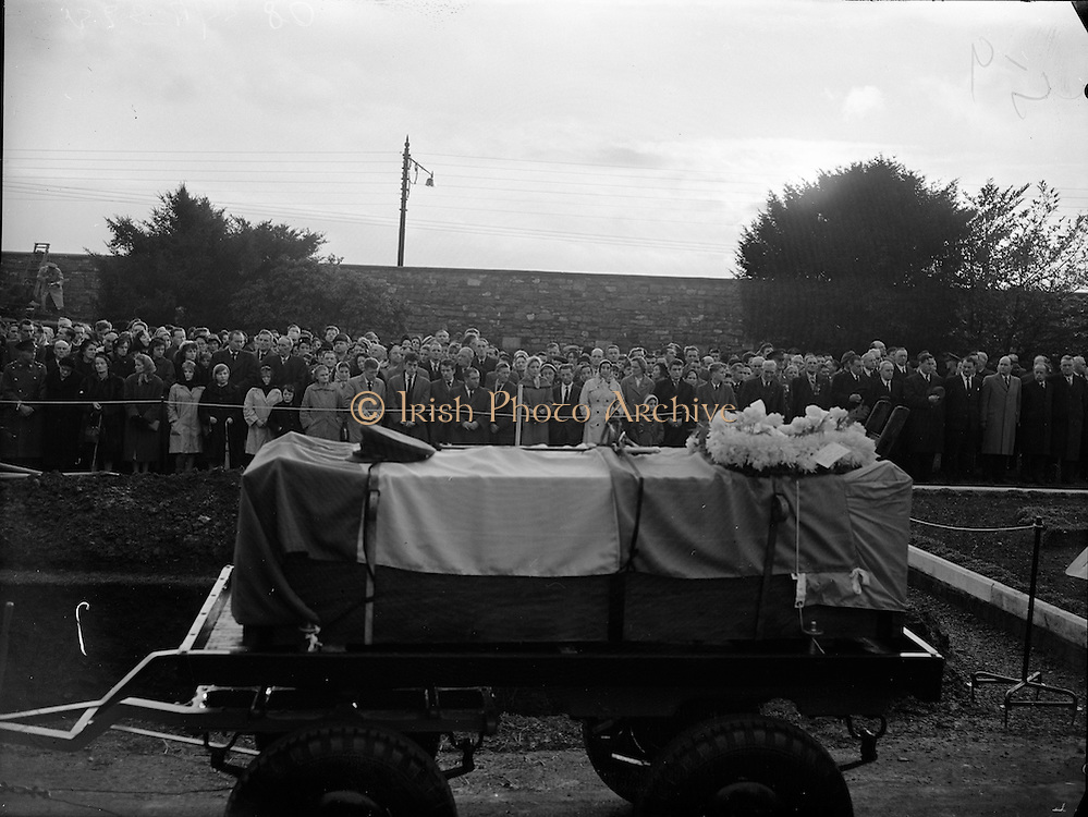 Huge crowds lined the route of the funerals of the Irish soldiers killed in the Niemba ambush while on UN duty in the Congo. On 8 November  an 11-man Irish platoon on patrol in Niemba were ambushed by Baluba tribesmen. Nine were killed:  Lieut. Kevin Gleeson, Sgt. H Gaynor, Cpl P Kelly, Cpl L Dougan, Pte M Farrell, Tpr T Fennel, Tpr. Anthony Browne, Pte. M McGuinn and Pte. G Killeen. .19.11.1960