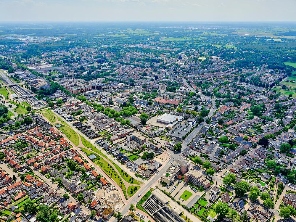Nederland, Overijssel, Gemeente Hellendoorn; 21–06-2020; Twente, Nijverdal. Centrum van de stad met Salland-Twentetunnel. Sinds 2015 lopen de spoorlijn Zwolle - Almelo en provinciale weg N35 door deze combitunnel.<br /> Twente, Nijverdal. City center with Salland-Twente tunnel. The Zwolle - Almelo railway line and the N35 provincial road are running through this combination tunnel.<br /> <br /> luchtfoto (toeslag op standaard tarieven);<br /> aerial photo (additional fee required)<br /> copyright © 2020 foto/photo Siebe Swart