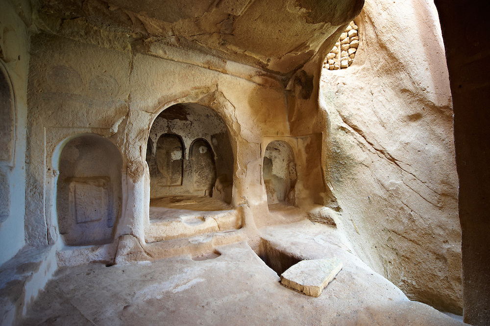 Early Christian rock cave churches in the tuff volcanic rock of Cappadocia, Turkey .<br /> <br /> If you prefer to buy from our ALAMY PHOTO LIBRARY  Collection visit : https://www.alamy.com/portfolio/paul-williams-funkystock/cappadociaturkey.html (TIP refine search - type which part of Cappadocia into the LOWER search box)<br /> <br /> Visit our TURKEY PHOTO COLLECTIONS for more photos to download or buy as wall art prints https://funkystock.photoshelter.com/gallery-collection/3f-Pictures-of-Turkey-Turkey-Photos-Images-Fotos/C0000U.hJWkZxAbg