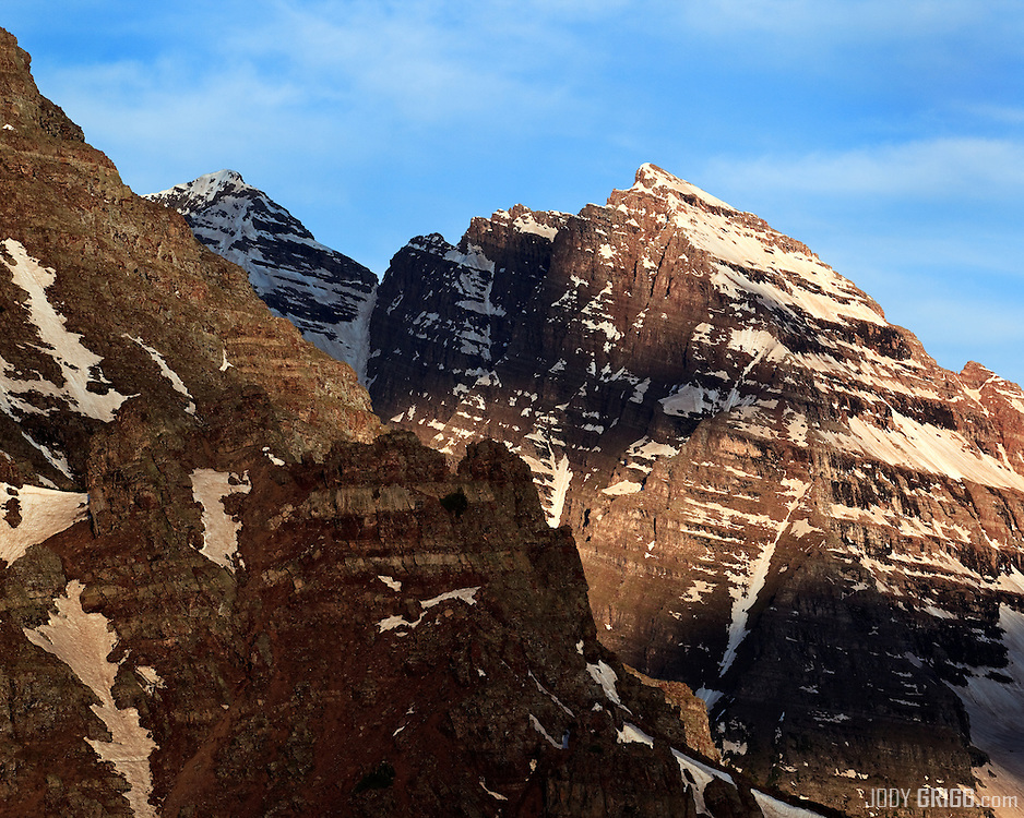 North Maroon Peak (right) and Maroon Peak (left) seen from the lower ramparts of Pyramid Peak.
