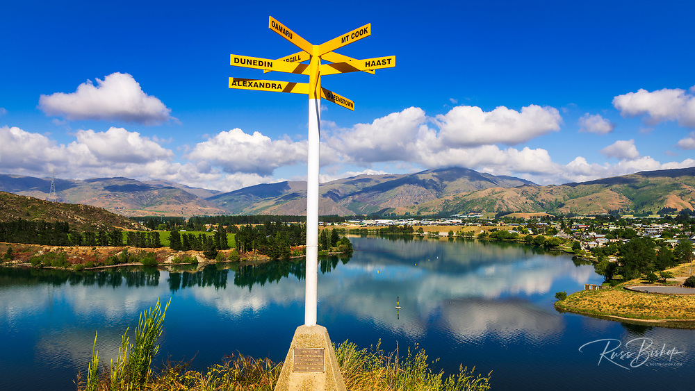 Location sign at the Bruce Jackson Lookout, Cromwell, Central Otago, South Island, New Zealand