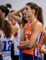 01-10-2017 AZE: Final CEV European Volleyball Nederland - Servie, Baku<br /> Nederland verliest opnieuw de finale op een EK. Servië was met 3-1 te sterk / Robin de Kruijf #5 of Netherlands