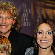 NLD/Amsterdam/20100412 - Premiere film de Gelukkige Huisvrouw, Heleen van Royen met partner Ton en kinderen Olivia en Sam