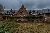 Stunning but Chilling images inside Abandoned creepy asylum