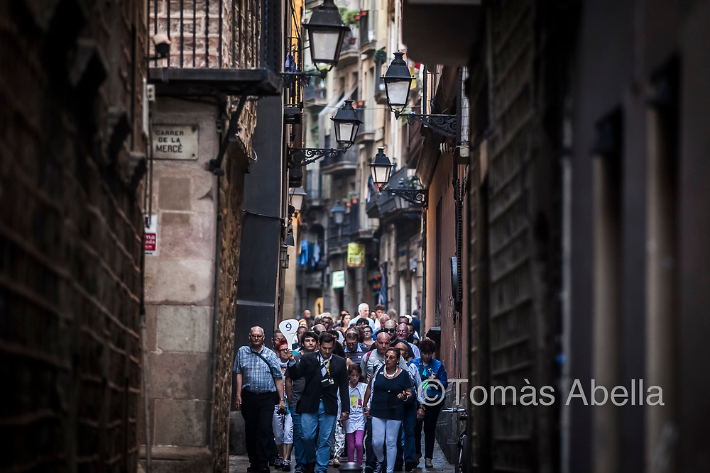 Barcelona has a population of 1,6 million inhabitants and receives 30 million tourists a year. Half of them spend only a few hours in the city.