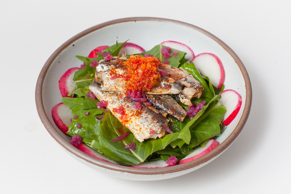 Sardine and Dandelion Green Salad from the fridge (m€) - COVID-19 Social Distancing