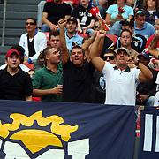 NLD/Amsterdam/20070802 - LG Amsterdams Tournament 2007, Lazio Roma - Arsenal, fans van Lazio juichen na een doelpunt op de tribune