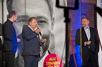 Berlin, 24.09.2021: KPM-Eigentümer Jörg Woltmann und FDP-Partei- und Fraktionschef Christian Lindner beim Wahlkampfabschluss der FDP im Hof der Königlichen Porzellan-Manufaktur (KPM).