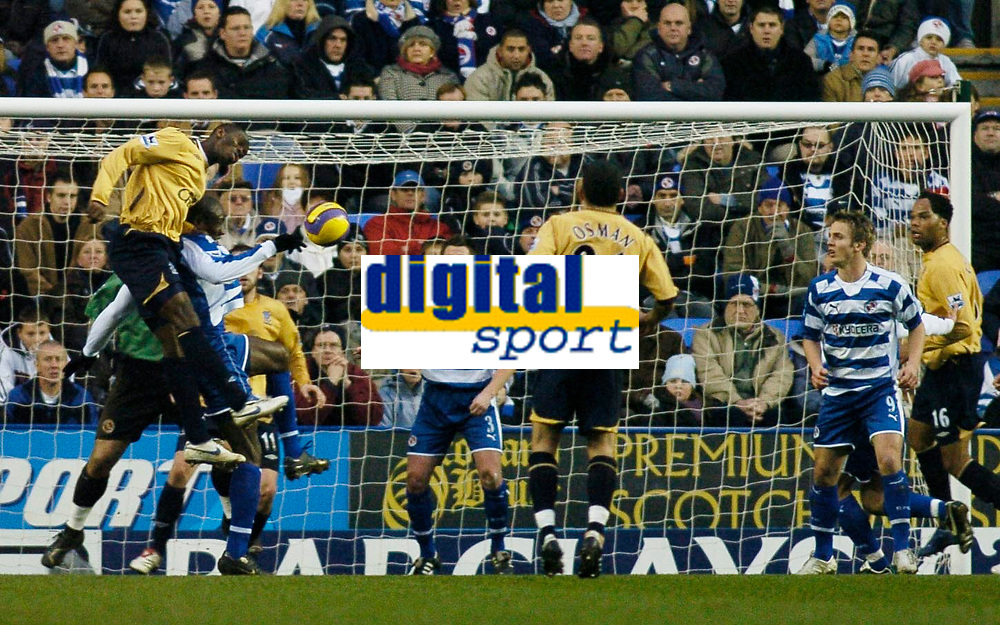 Photo: Gareth Davies.<br /> Reading v Everton. The Barclays Premiership. 23/12/2006.<br /> Everton's Joseph Yobo (Left Top) out jumps the Reading defence to have a headed chance on goal.