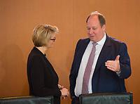 DEU, Deutschland, Germany, Berlin, 21.03.2018: Bundesbildungsministerin Anja Karliczek (CDU) und Kanzleramtsminister Helge Braun (CDU) vor Beginn der 2. Kabinettsitzung im Bundeskanzleramt.