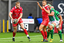 Johnny McNicholl of Scarlets in action during todays match<br /> <br /> Photographer Craig Thomas/Replay Images<br /> <br /> Guinness PRO14 Round 3 - Scarlets v Benetton Treviso - Saturday 15th September 2018 - Parc Y Scarlets - Llanelli<br /> <br /> World Copyright © Replay Images . All rights reserved. info@replayimages.co.uk - http://replayimages.co.uk