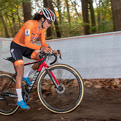 04-11-2018: Wielrennen: EK veldrijden: Rosmalen: Ceylin del Carmen Alvarado presteert  in Rosmalen