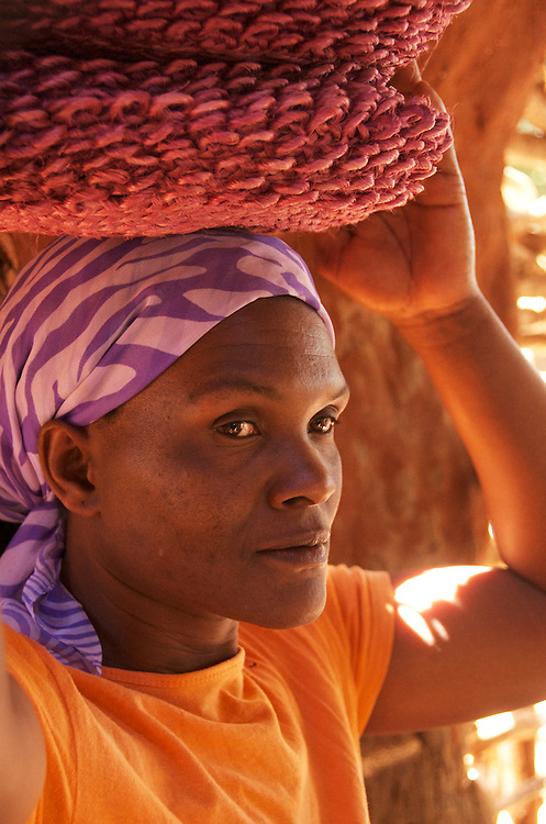 A weaver of sisal who is part of the iSimangaliso craft program