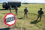20200430 /URUGUAY / PAYSANDÚ / Recorrida por puestos de patrullaje militar fronterizo de los departamentos de Paysandú y Rivera.<br /> <br /> En la foto: Puesto de control del Ejército en Casablanca, Paysandú. Foto: Santiago Mazzarovich / adhocFOTOS