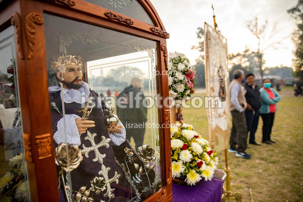 02 junio 2021, Tultepec, Estado de México. Imagen de san Juan de Dios que recorrerá los talleres de pirotecnia de La Saucera.
